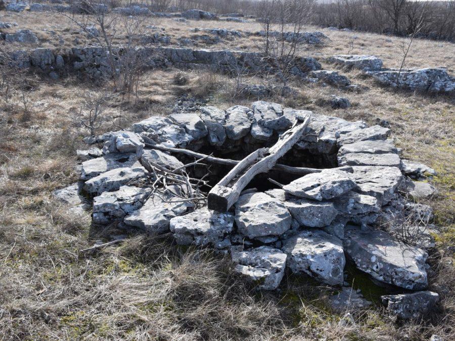 Lovrića bunar (Lovrića staje)