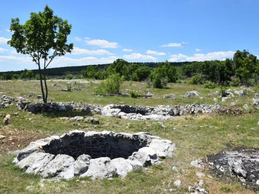 Todića bunari